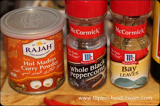 Curry Powder, Black Pepper, Bay Leaf