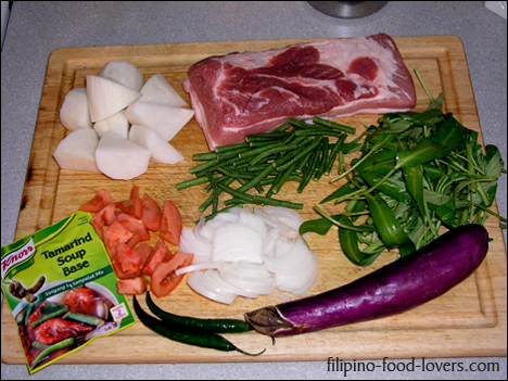 Pork Sinigang Ingredients: Liempo ng baboy, talong, kangkong, sinigang mix, kamatis, sili, dailon and sitaw
